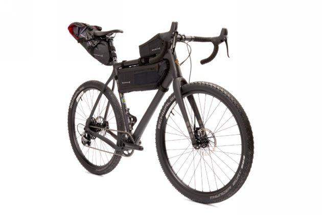 Bicicletta Ibis Hakka MX con bagagli