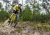 bici da ciclocross Canyon Inflite CF SLX, in discesa su sabbia