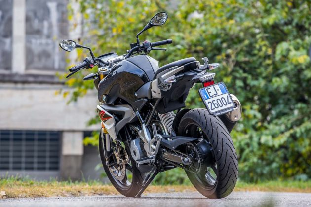 BMW G 310 R - 3/4 posteriore
