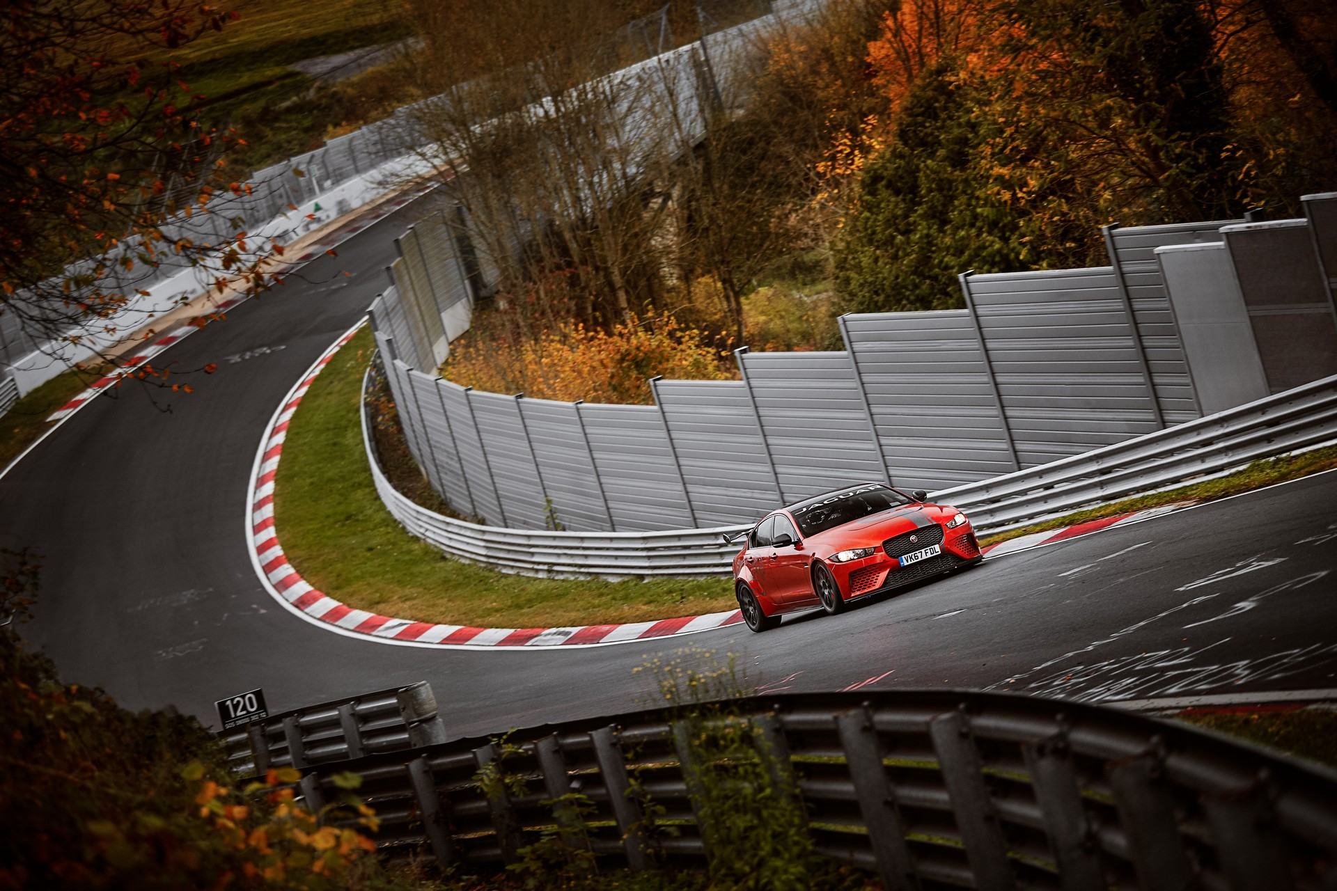 jaguar xe sv project 8 record al nurburgring. Black Bedroom Furniture Sets. Home Design Ideas