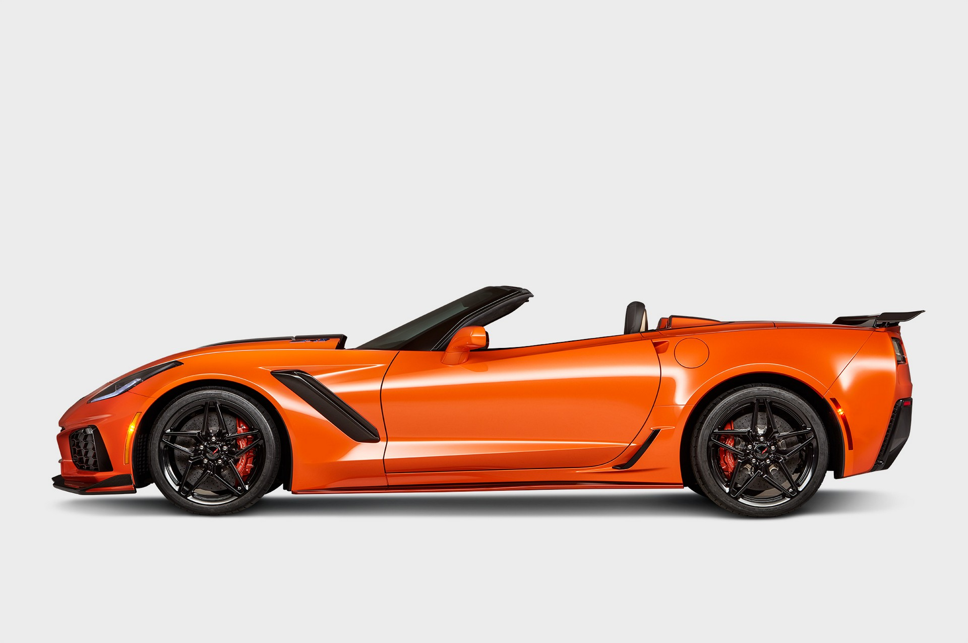 Chevrolet Corvette Zr1 Convertible 2018 006 Red Live