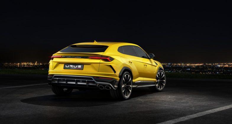 Lamborghini Urus statica