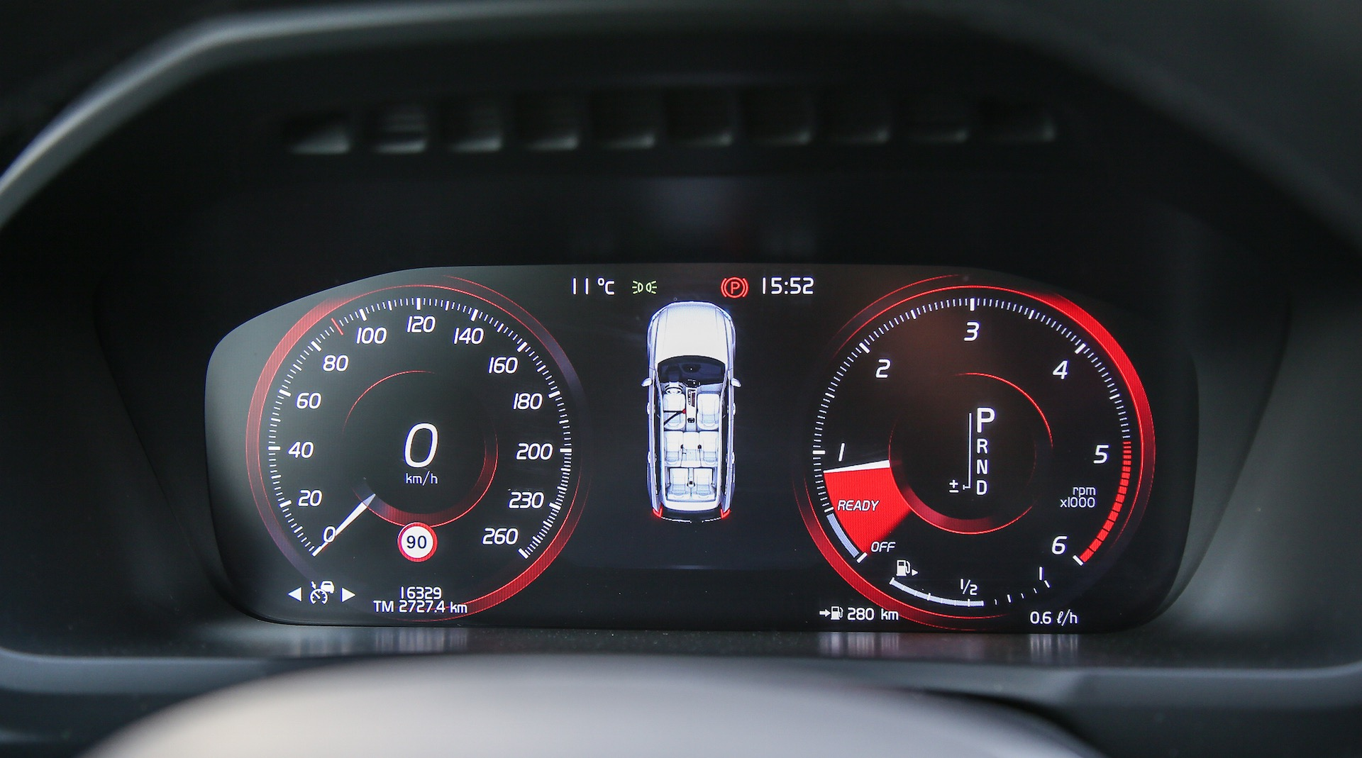 Volvo XC90 D5 Grigia particolare cruscotto