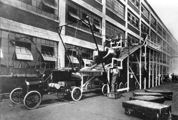 Catena di montaggio fabbrica Ford Model T