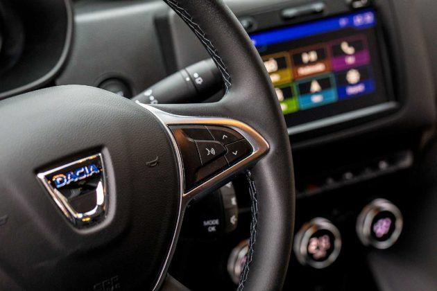 Dacia Duster 2018 particolare nuovo volante