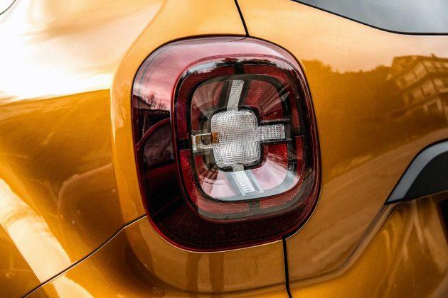 Dacia Duster 2018 particolare nuovo faro posteriore sinistro