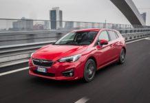 Subaru Impreza 1.6 AWD rossa sul ponte