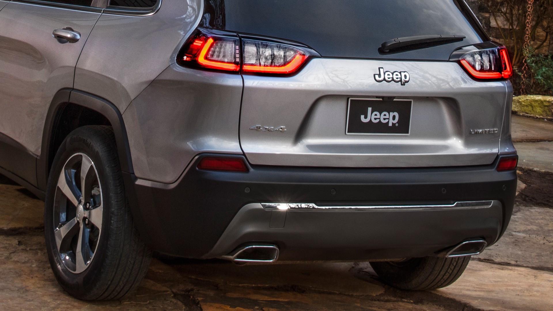 Jeep Cherokee 2018 coda grigia