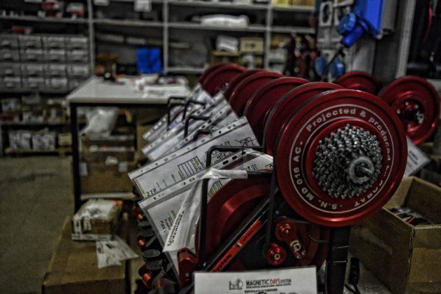 magnetic days jarvis, fila di rulli in magazzino