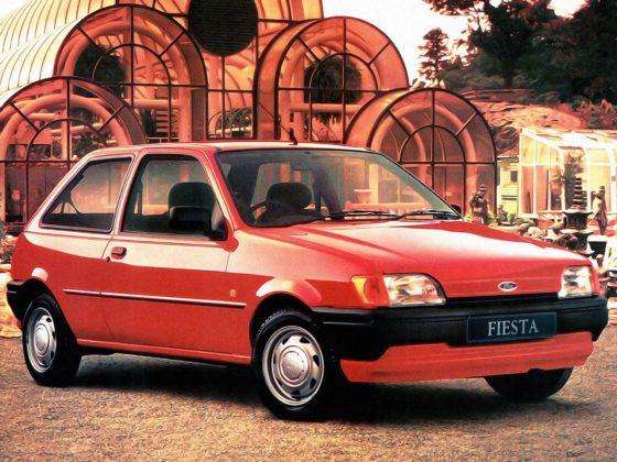 Ford Fiesta MKIII rossa