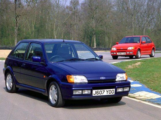 Ford Fiesta MKIII XR2i blu viola