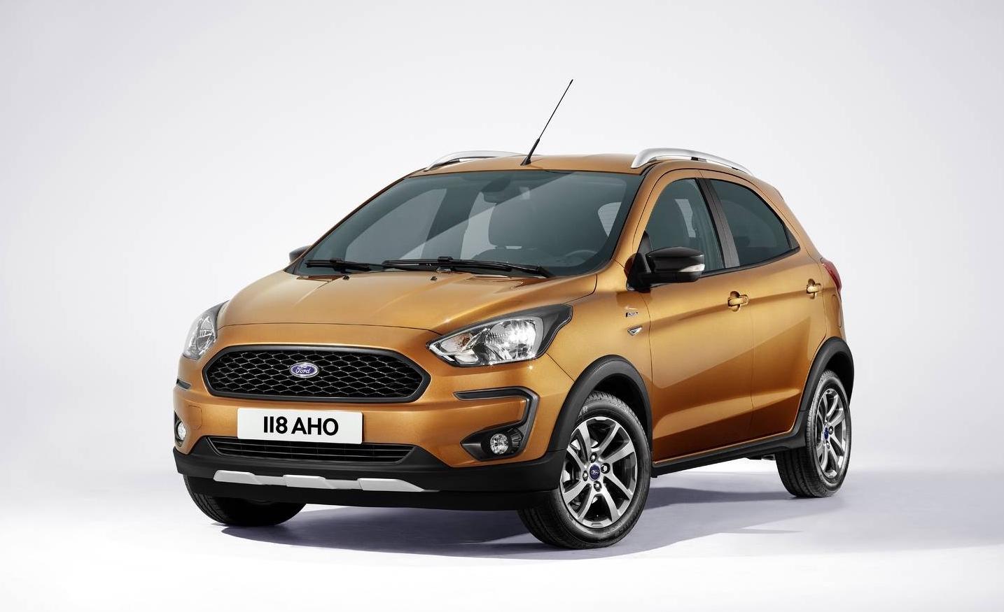 Ford Ka+ restyling Active arancio tre quarti anteriore