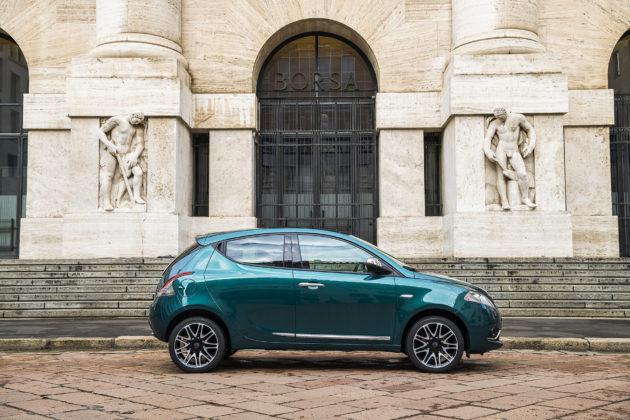 Lancia Ypsilon 2018 Platinum statica laterale