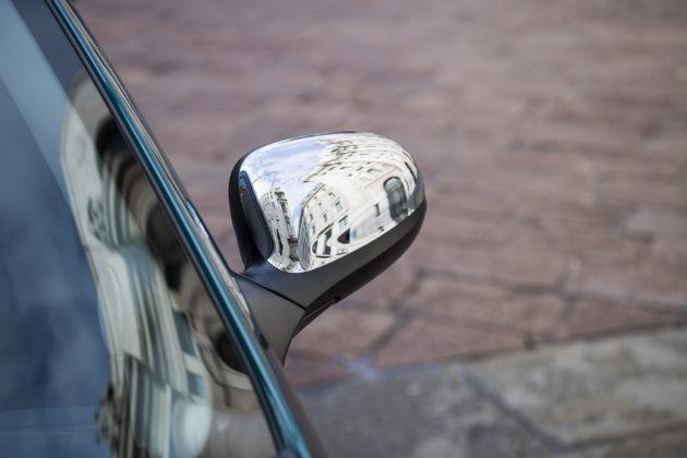 Lancia Ypsilon gamma 2018 Platinum dettaglio specchietto esterno
