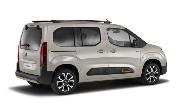Citroen Berlingo laterale statica in studio
