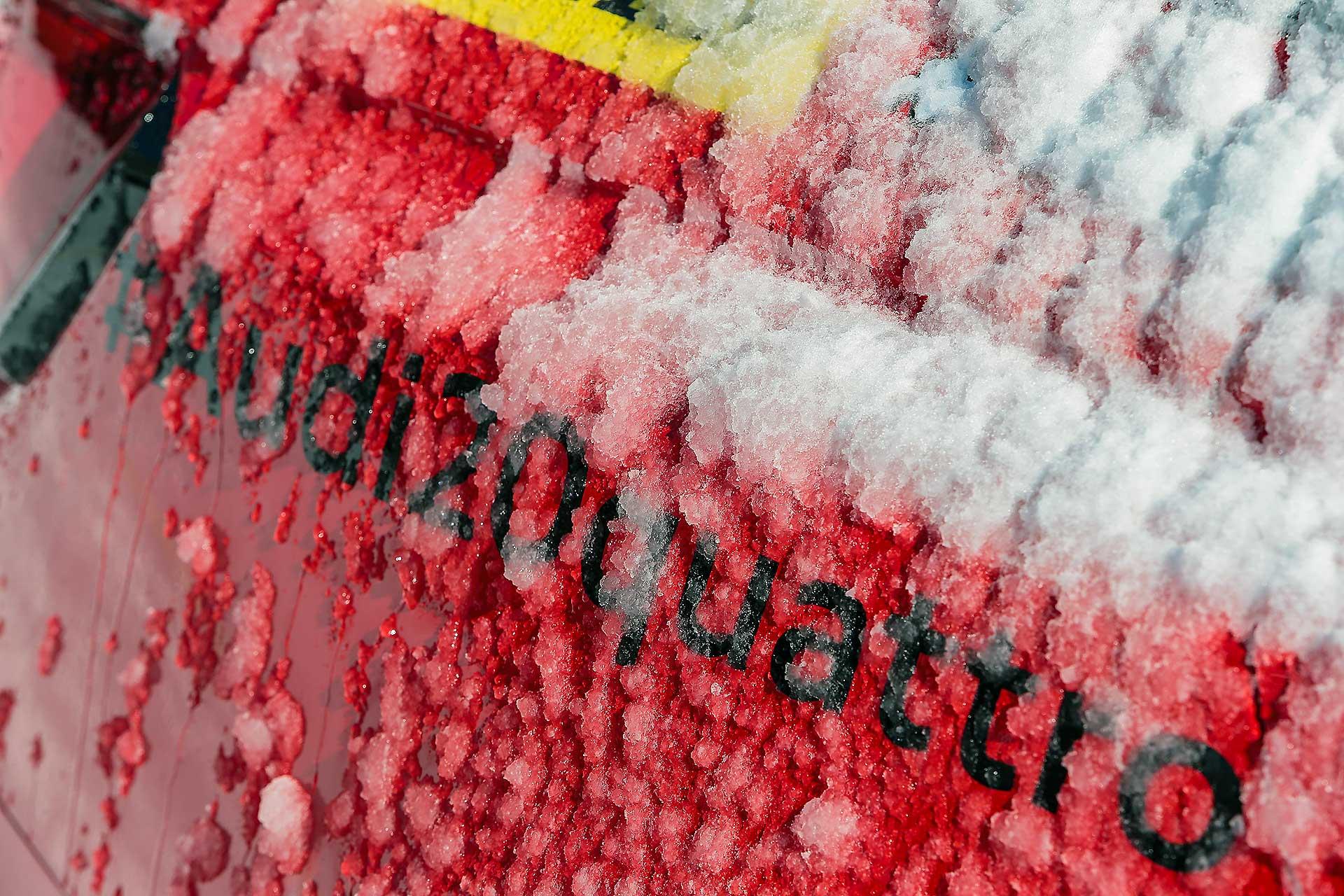 Audi RS4 2018 20Quattro Ore delle Alpi dettaglio scritta con neve