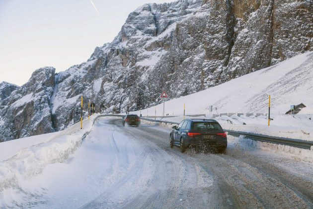Audi RS4 2018 20Quattro Ore delle Alpi Movimento posteriore strada ghiacciata Dolomiti