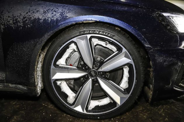 Audi RS4 2018 20Quattro Ore delle Alpi particolare ruota freni carboceramici