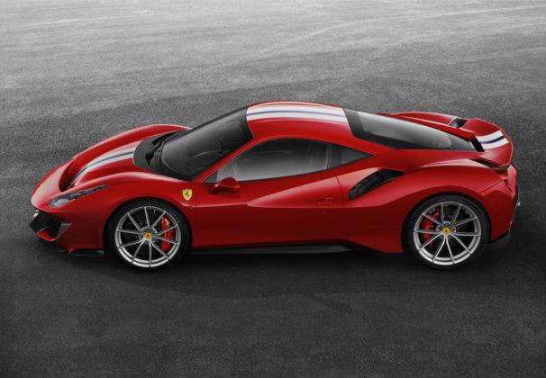 Ferrari 488 pista laterale dall'alto statica