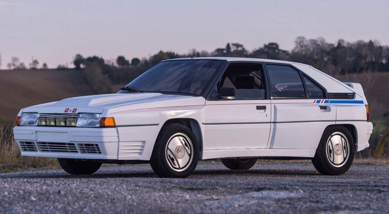 Citroën BX 4TC bianca in campagna