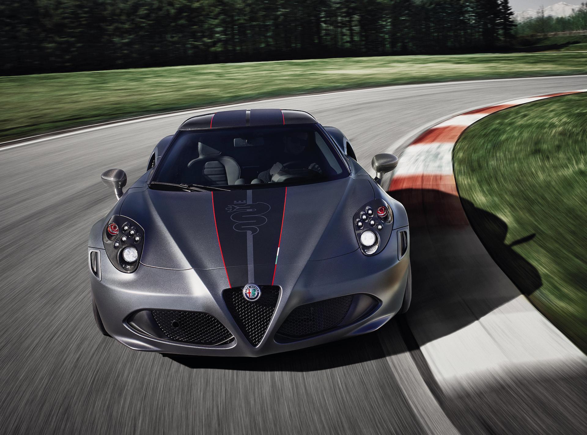 alfa romeo 4c coupé competizione pista balocco