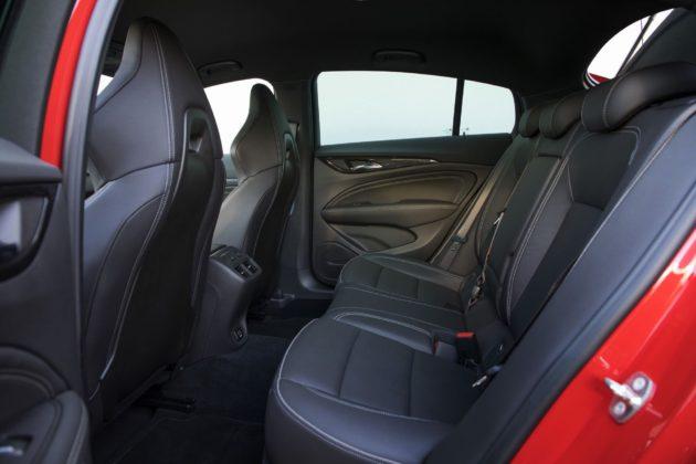 Opel Insignia GSi dettaglio sedili posteriori
