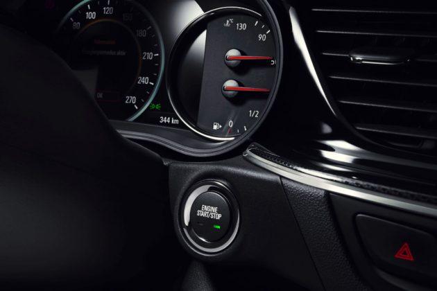 Opel Insignia GSi dettaglio accensione