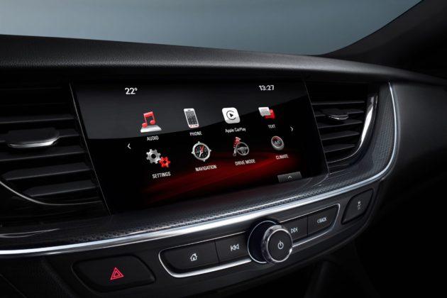 Opel Insignia GSi con IntelliLink 900