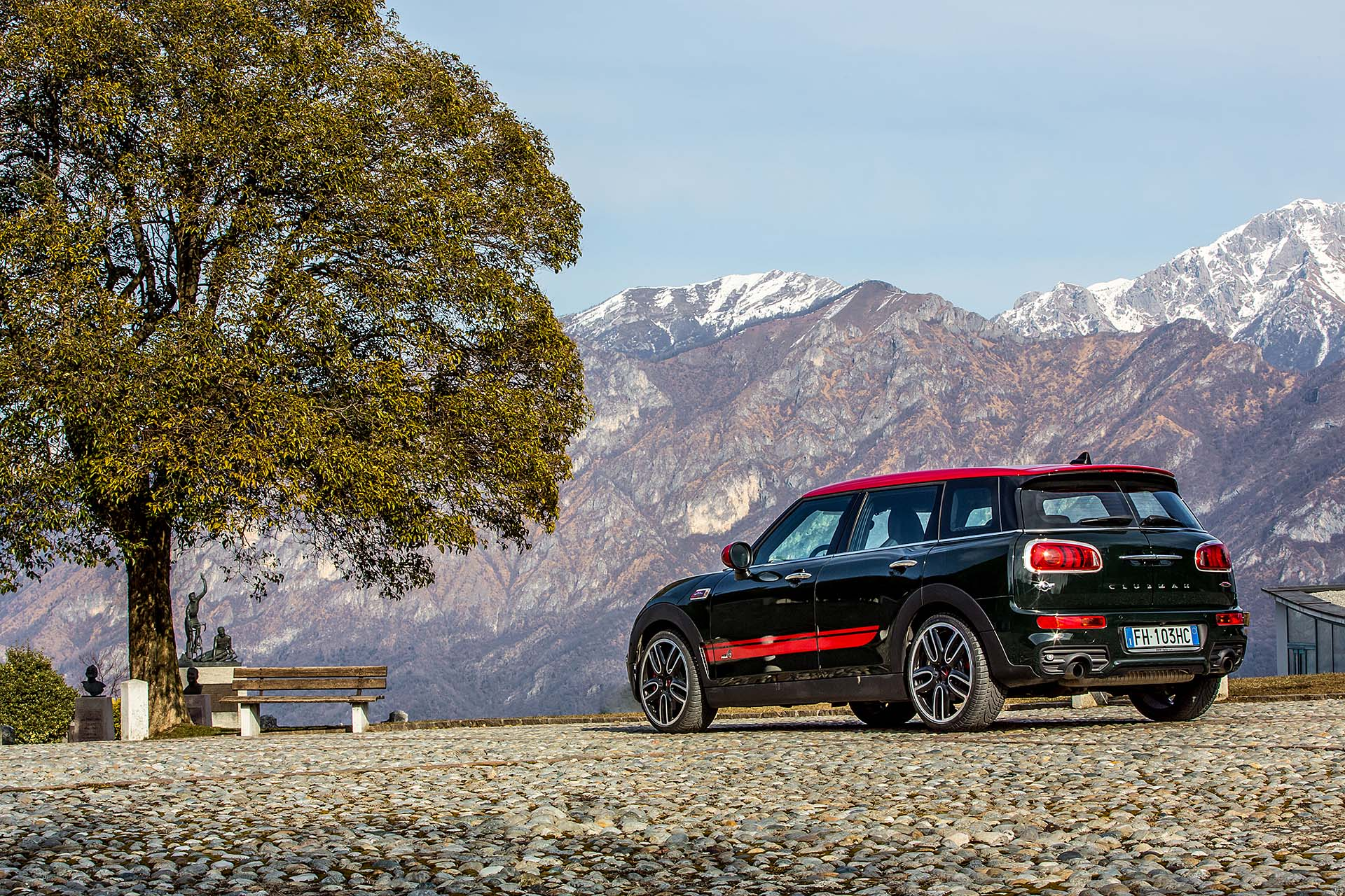 Prova mini clubman jcw all4 per famiglie da corsa red live for Quanto costa un tram in collina