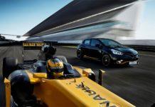 Renault Clio R.S.18 nera e gialla con Formula Renault
