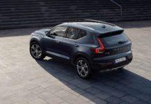 Volvo XC40 2018 3/4 laterale posteriore sinistra nera statica