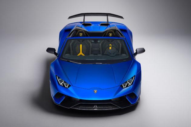 Lamborghini Huracan Performante Spyder frontale dall'alto blu statica
