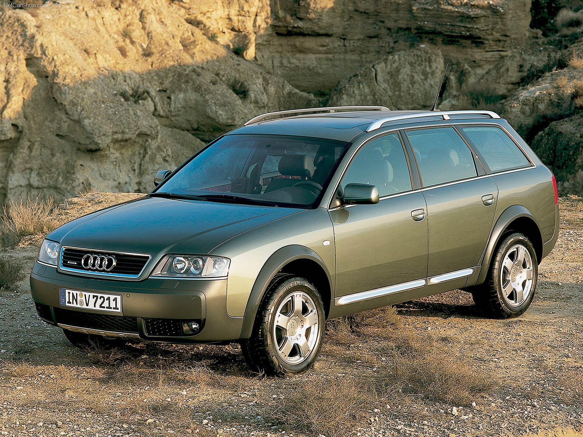Audi A6 allroad quattro statica in ambientazione fuoristrada