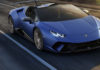 Lamborghini Huracan Performante Spyder 3/4 laterale anteriore destra in movimento su strada
