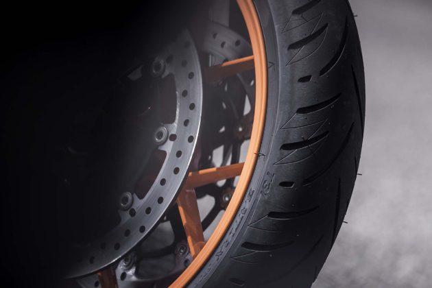 Bridgestone Battlax Sport Touring T31 - intagli