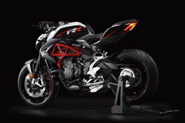 MV Agusta Brutale 800 RR laterale su cavalletto in studio statica