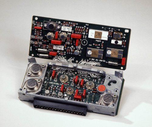 La centralina elettronica di controllo del sistema ABS sviluppata dal gruppo Daimler-Benz assieme a Bosch