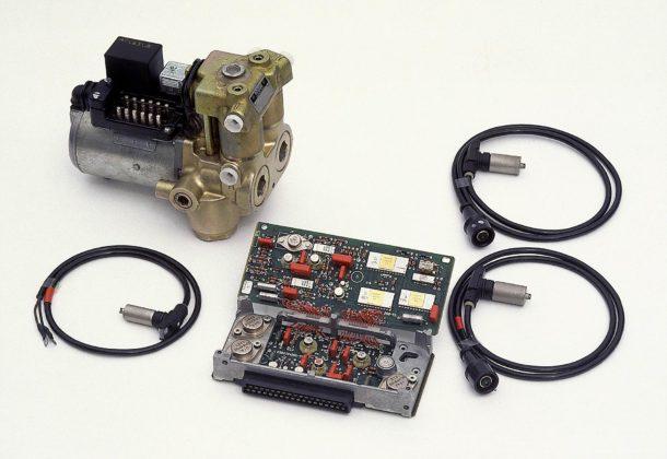 Centralina elettronica, sensori e unità idraulica del sistema ABS del 1978