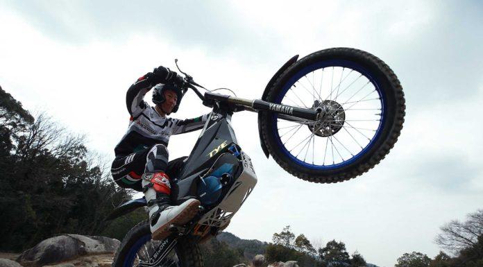 Yamaha TY-E Trial elettrico azione su masso
