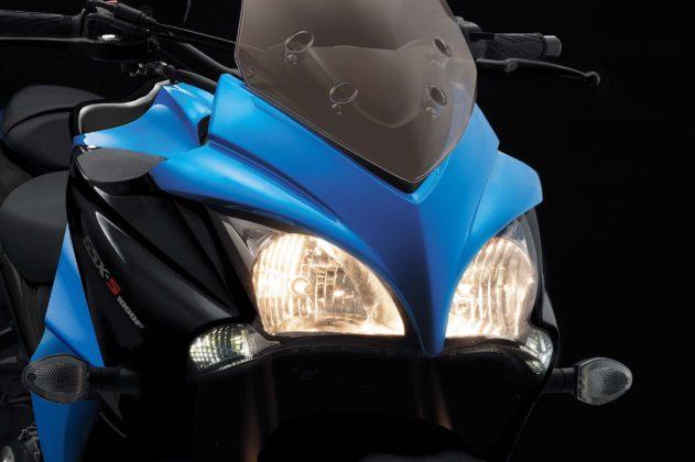 Suzuki GSX S1000 dettaglio fari anteriori