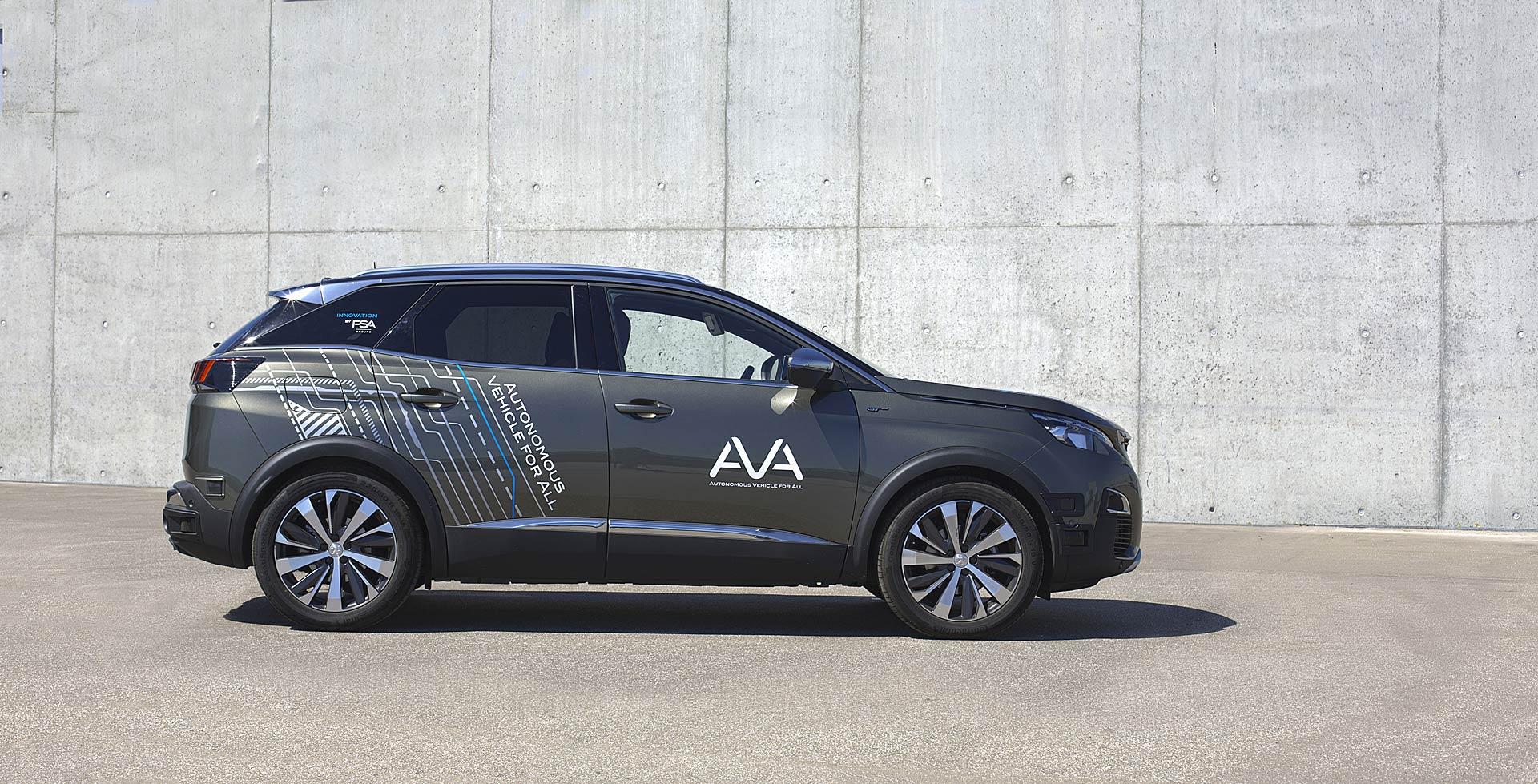 Peugeot 3008 prototipo a guida autonoma che fa parte del programma AVA del gruppo PSA