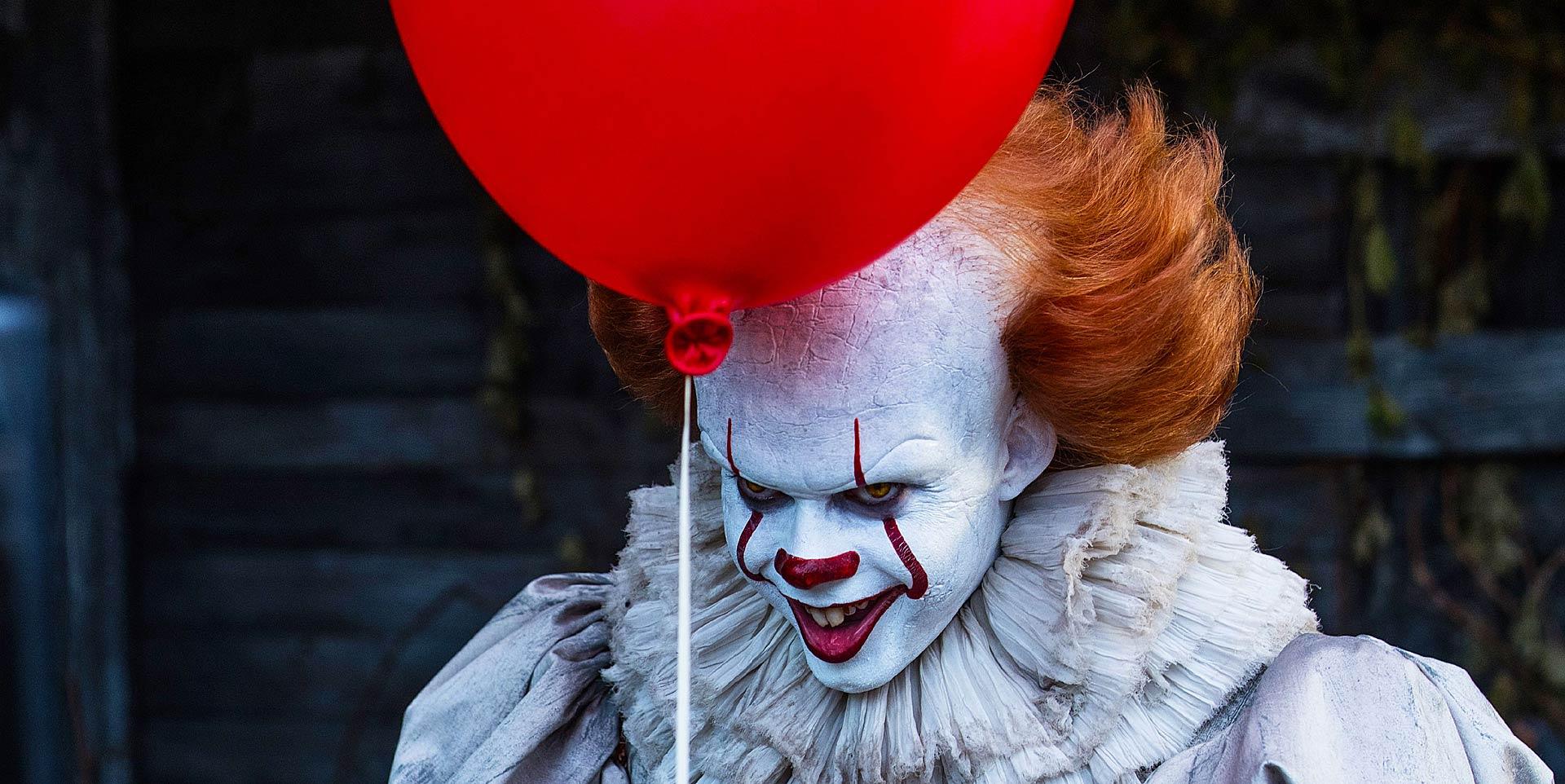 IT - il feroce clown con palloncino rosso