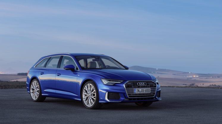 Nuova Audi A6 Avant 3/4 laterale anteriore destro blu statica