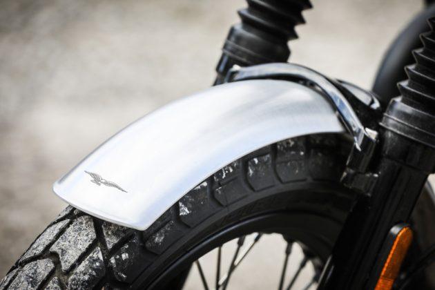 Guzzi V7III Rough dettaglio parafango anteriore
