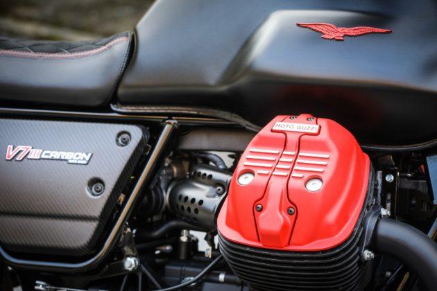 Guzzi V7III Carbon dettaglio motore