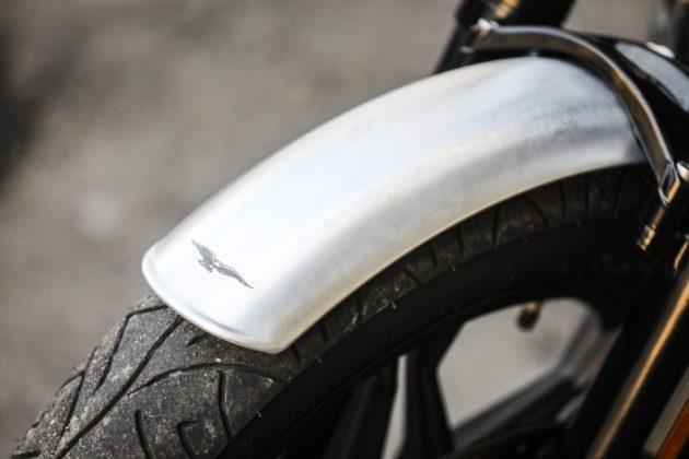 Guzzi V7III Milano dettaglio parafango anteriore
