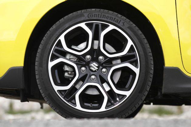 Suzuki Swift Sport con cerchi BiColor da 17 pollici