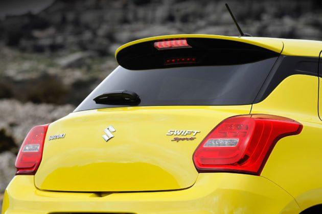Suzuki Swift Sport 2018 dettaglio bagagliaio
