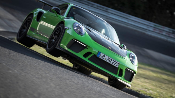 Porsche 911 GT3 RS 2018 in movimento frontale