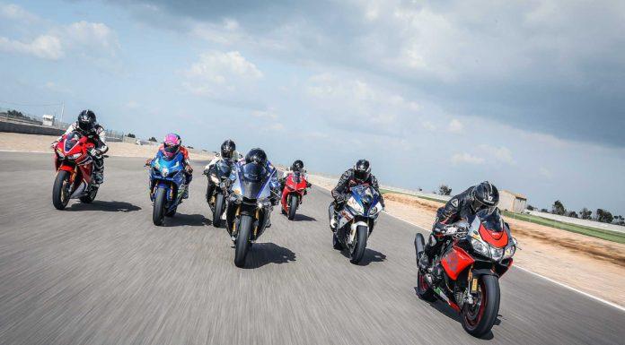 Comparativa 1000 2018 moto in movimento rettilineo